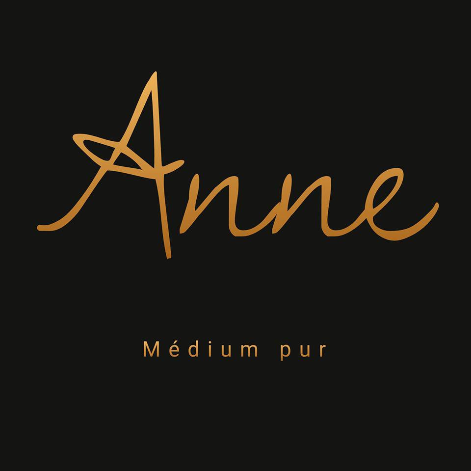 Anne Médium Logo